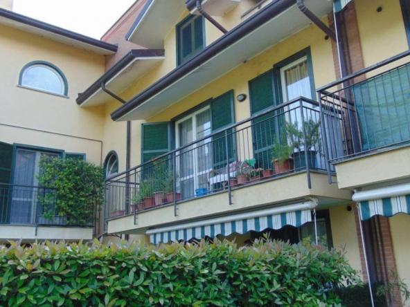Bilocale via Ruggero Leoncavallo, Barlassina