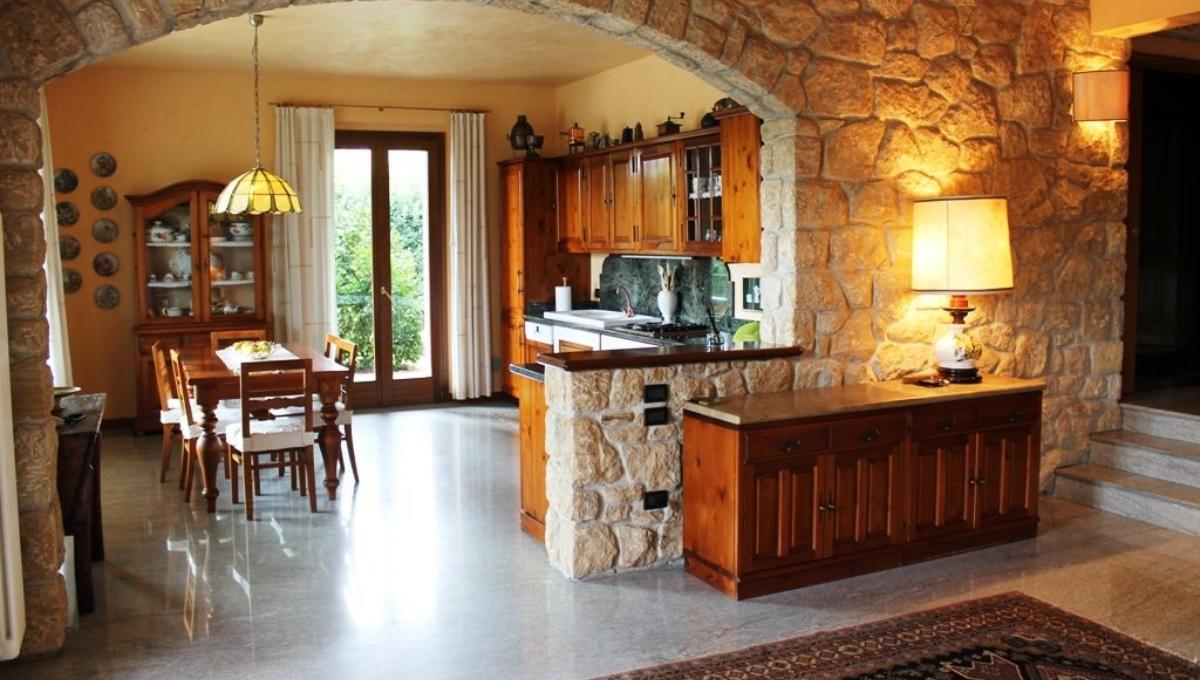 Villa via Monte Santo, Cantù