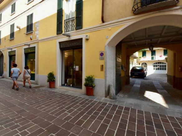 Trilocale via Giacomo Matteotti, Cantù